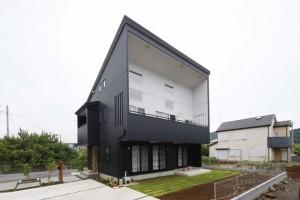 大屋根・大開口のお家。