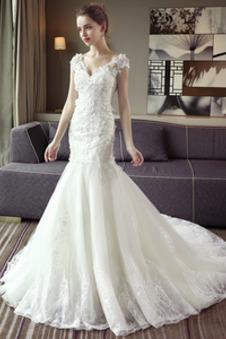 Collezione abiti da sposa 2019 prezzi moda tendenze