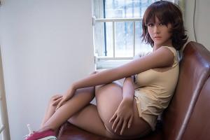 多くの人がラブドールとセックスしようとし、そして彼女が私たちの性的パートナーの全ての要求を本当に ...