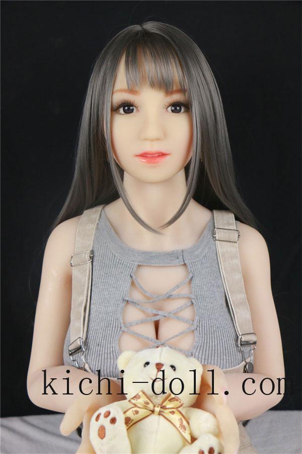 Kichi-doll shop 工場はまた、頭と手足を動かしてゲストに中国語と英語で対応できるスマートドールを開 ...