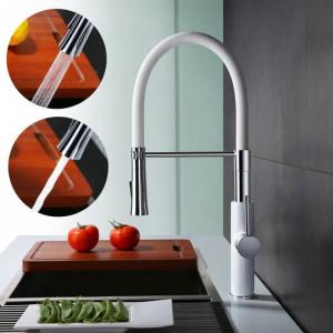 Questo è un moderno rubinetto per cucina del marchio Homelody che viene utilizzato nella maggior ...