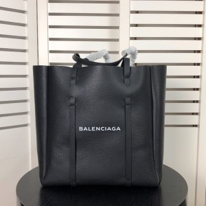 Balenciaga Everyday Medium Tote Bag Calfskin In Black Outlet Balenciaga Cheap Sale Store