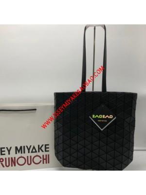 Issey Miyake Tonneau Matte Shoudler Bag Black
