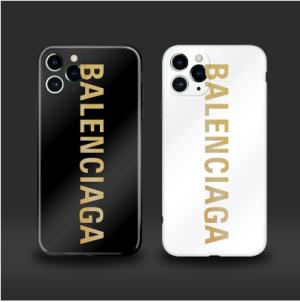 バレンシアガ iPhone12/12プロケース 芸能人愛用 アイフォン12/12マックスカバーはジャケットで、ボタ ...