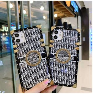 Fendi/フェンデイ iphone12/12mini/12pro/12promaxスマホケース 韓国風 メンズ レディース 激安 iph ...