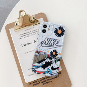 エアジョーダン iphone12ケース ナイキ https://www.sincases.com/good/nike-air-jordan-iphone12-case ...